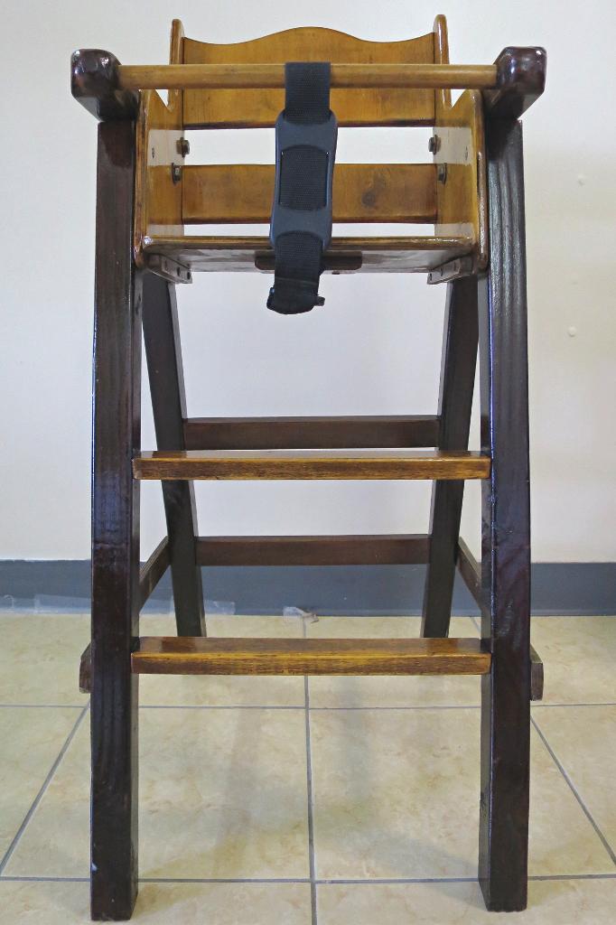 自作木製ベビーチェア